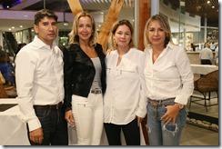 Carlos Zamora, Elena Valenzuela, Pamela Collantes y Rossana Ducaseau